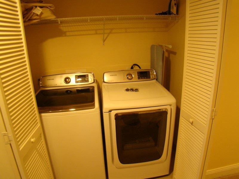 Ocean Blue 803 Laundry Closet