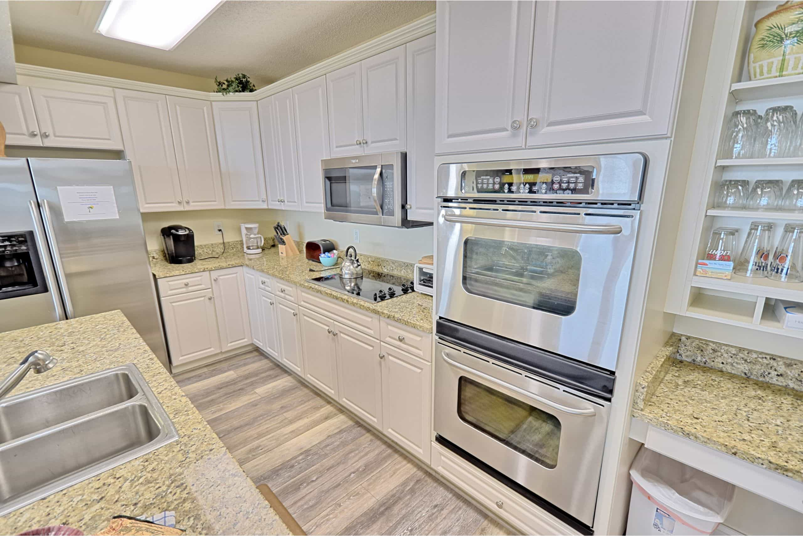 Ocean-Blue-Resort-Myrtle-Beach-503-Kitchen-South
