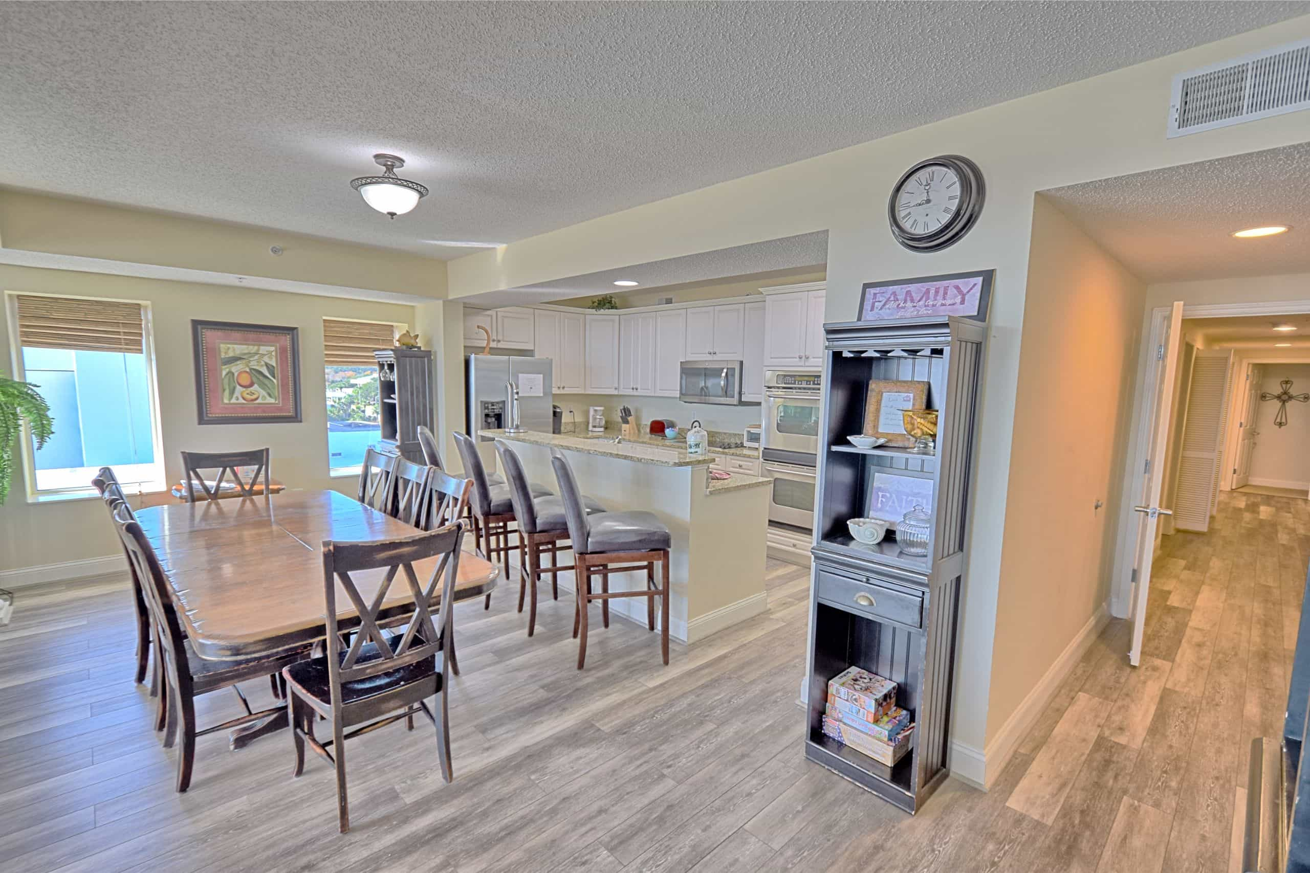 Ocean-Blue-Resort-Myrtle-Beach-503-Living-Room-Kitchen2